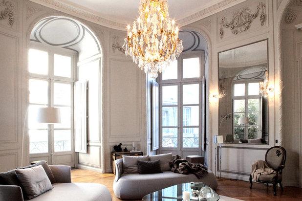 Luminaire le lustre un accessoire iconique for Salle a manger haussmannien