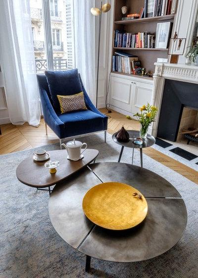 Современный Семейная комната by Agence Véronique Cotrel
