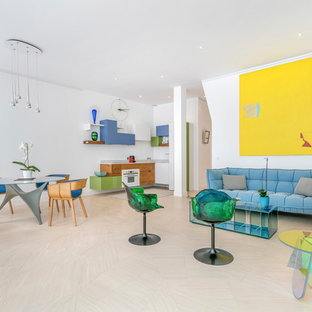 Idées déco pour une grande salle de séjour contemporaine ouverte avec un bar de salon et un mur blanc.