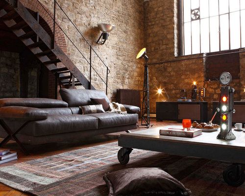 Inspiration For An Industrial Family Room Remodel In Clermont Ferrand