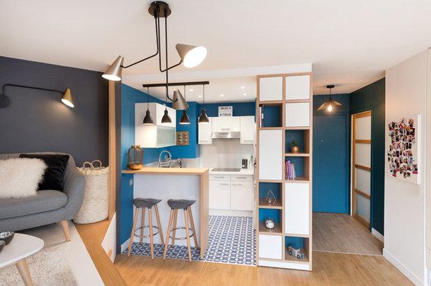Современный Семейная комната by ATMOSPHÈRES DESIGN