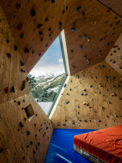 mid sized mountain style home climbing wall photo in other - Home Climbing Wall Designs