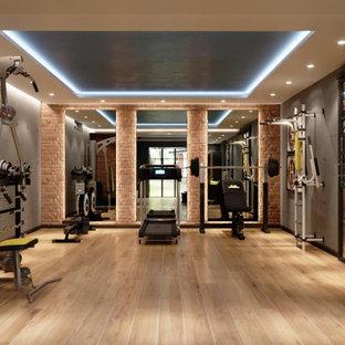 Industrial Fitnessraum in Paris
