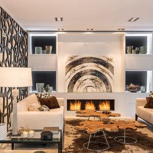 Foto de salón para visitas actual con paredes blancas, chimenea lineal y suelo beige