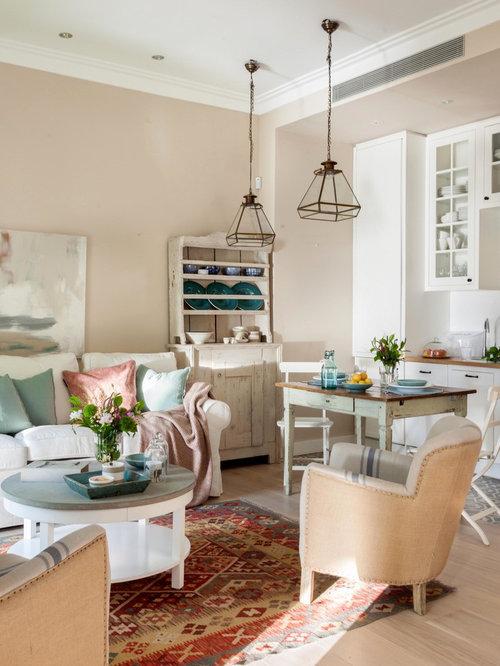 Salon romantique avec un sol en bois clair photos et id es d co de salons - Deco romantique salon ...