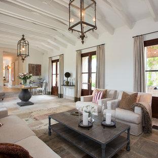 Modelo de salón para visitas abierto, de estilo de casa de campo, grande, sin chimenea y televisor, con paredes blancas