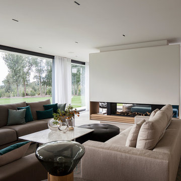 CONTEMPORARY COUNTRY HOUSE