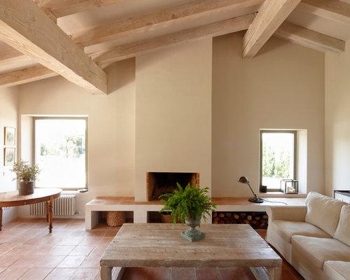 wohnzimmer mit terrakottaboden und gelber wandfarbe ideen design bilder beispiele. Black Bedroom Furniture Sets. Home Design Ideas
