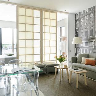 Modelo de salón abierto, contemporáneo, con paredes grises
