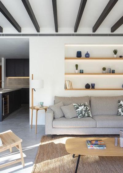 Contemporary Living Room by Jorge Bibiloni Studio