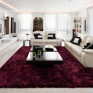 Ejemplo de salón para visitas abierto, clásico renovado, grande, sin chimenea, con paredes blancas, suelo de baldosas de porcelana y televisor colgado en la pared