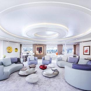 Modelo de salón para visitas cerrado, tradicional renovado, grande, sin chimenea y televisor, con paredes multicolor y moqueta