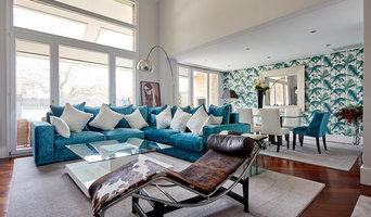 Un salón con vistas