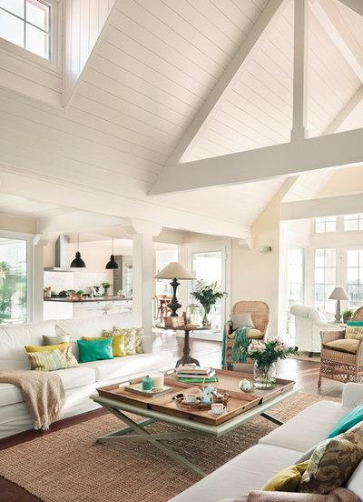 Beach Style Living Room by Coton et bois