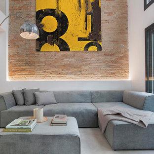 Modelo de salón urbano con paredes blancas, suelo de cemento y suelo gris