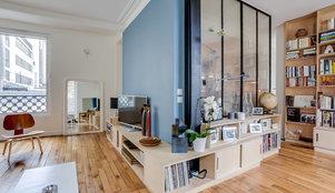 visite priv e un somptueux appartement tout de blanc et de ch ne. Black Bedroom Furniture Sets. Home Design Ideas