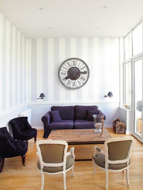 photos et id es d co de pi ces vivre classiques avec un mur multicolore. Black Bedroom Furniture Sets. Home Design Ideas