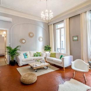 Wohnzimmer mit grauer Wandfarbe und Terrakottaboden Ideen, Design ...