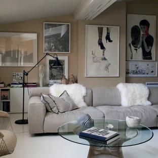 Aménagement d'un salon contemporain ouvert et de taille moyenne avec un mur beige, aucune cheminée et aucun téléviseur.