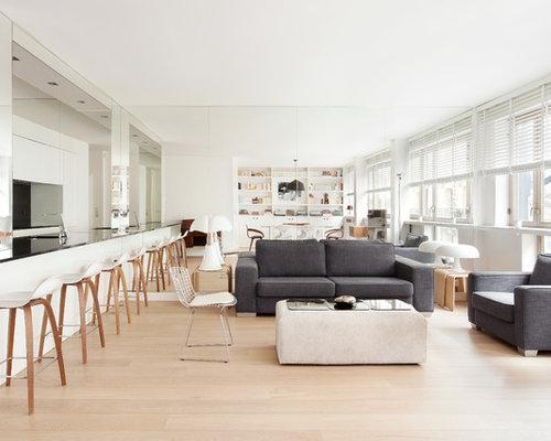 Salon ouvert avec un sol en bois clair photos et id es for Salon ouvert
