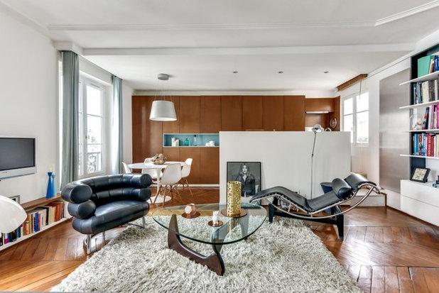 Contemporary Living Room by Martin LAVIGNE Architecte DPLG