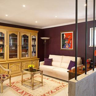 マルセイユのトラディショナルスタイルのおしゃれなリビング (紫の壁、セラミックタイルの床、白い床) の写真
