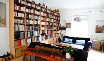Bibliothèque sur mesure chêne brossé avec échelle métallique sur rail