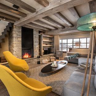 Rustic living room in Grenoble.
