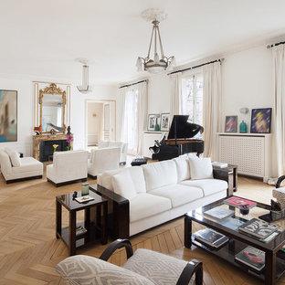 Idée De Décoration Pour Un Grand Salon Tradition Ouvert Avec Une Salle De  Réception, Un