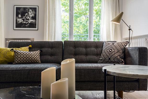 Modern Wohnbereich by Caroline ANDREONI
