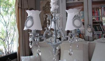 Les lustres patinés, shabby chic chandeliers