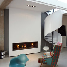 Contemporary Living Room by KJBI DECO agencement & decoration