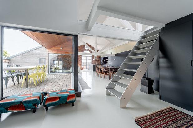 Contemporain Salon by PIPPA SCHALLIER STUDIO