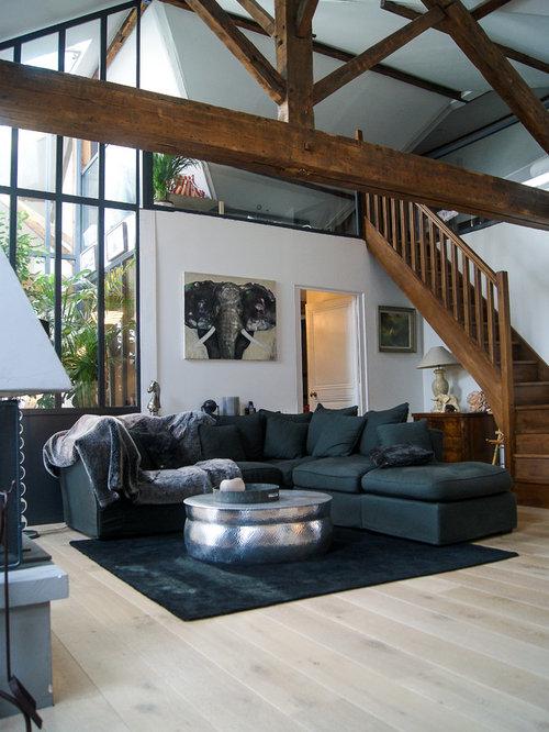 Country living room design ideas renovations photos for Living room ideas no fireplace