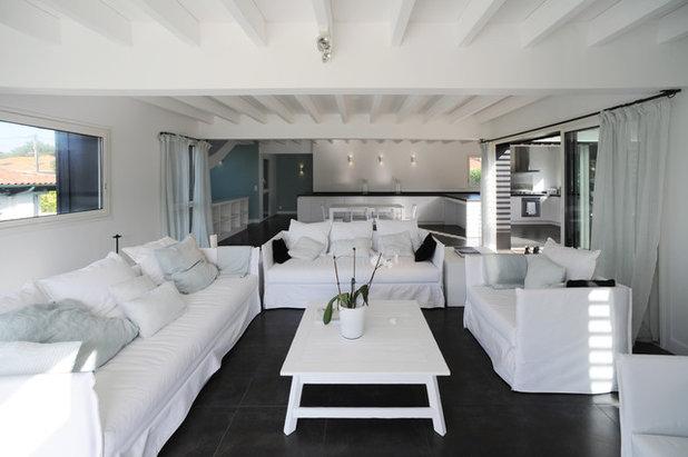 Moderne Salon by ALAMAN & MACDONALD