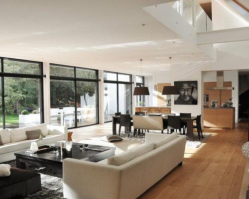 Idee Für Große, Repräsentative, Offene, Fernseherlose Moderne Wohnzimmer  Ohne Kamin Mit Weißer Wandfarbe
