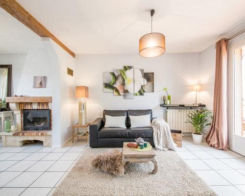 grand salon avec un manteau de chemin e en brique photos et id es d co de salons. Black Bedroom Furniture Sets. Home Design Ideas