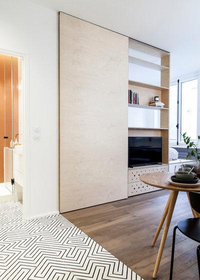 Scandinavian Living Room by atelier daaa