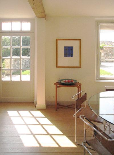 Midcentury Living Room by A+B KASHA Designs