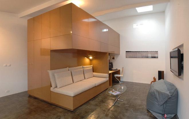 Modern Living Room by FABRE/deMARIEN