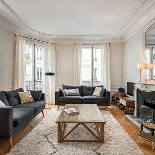 Salon classique avec un téléviseur indépendant : Photos et idées ...