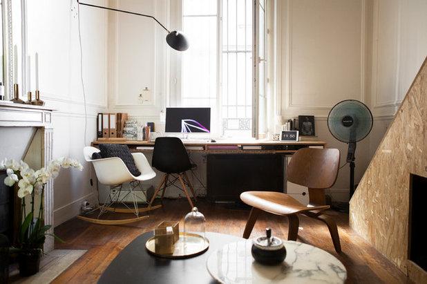 Industrial Living Room by Eichenbaum Olia
