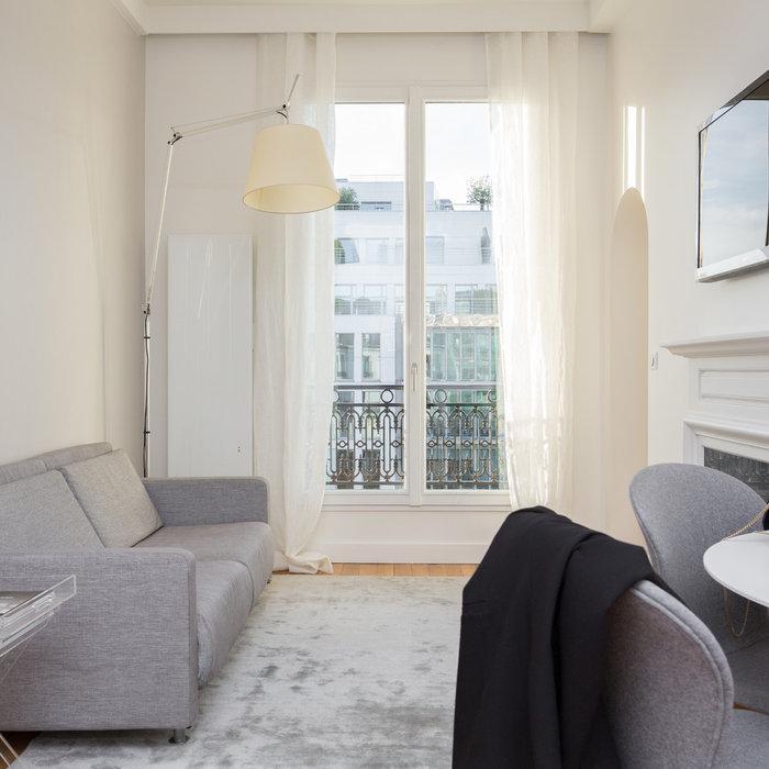 Avant/Après : Un appartement parisien de 40 m2 ultra connecté