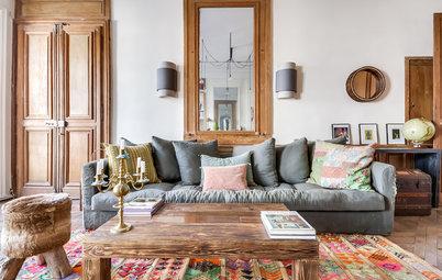 Les meubles en bois décapés apportent une touche brute à la déco