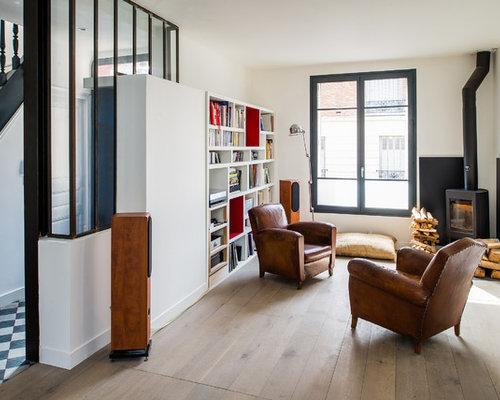 salon scandinave avec un po le bois photos et id es d co de salons. Black Bedroom Furniture Sets. Home Design Ideas