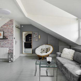 Ejemplo de salón abierto, nórdico, de tamaño medio, sin chimenea, con paredes blancas, suelo de baldosas de terracota, suelo gris y televisor colgado en la pared