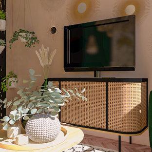 Idee per un piccolo soggiorno country chiuso con pareti bianche, parquet chiaro, TV autoportante e pavimento beige