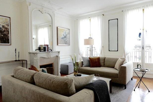 コンテンポラリー リビング by Lichelle Silvestry Interiors