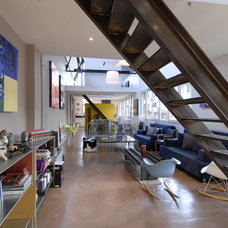 Industrial Living Room by Fabrice Ausset - Architecte DPLG