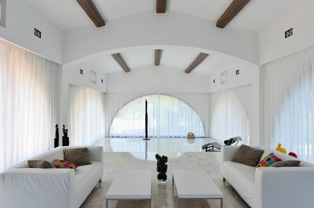 Modern Living Room by Michel Eisenlohr auteur photographe